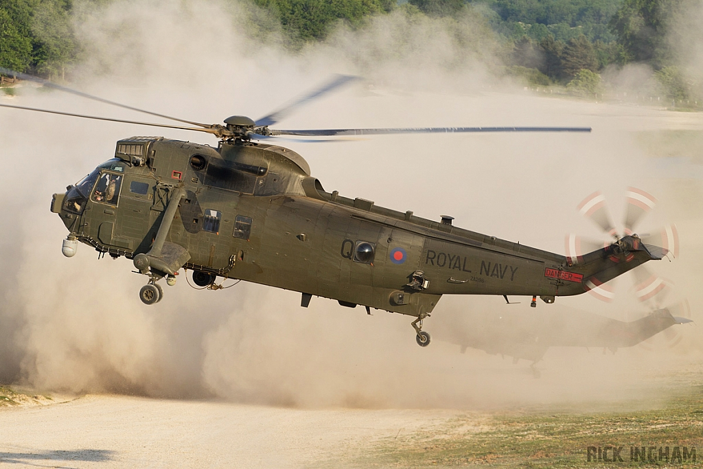 Westland Sea King HC4 - ZA296/Q - Royal Navy