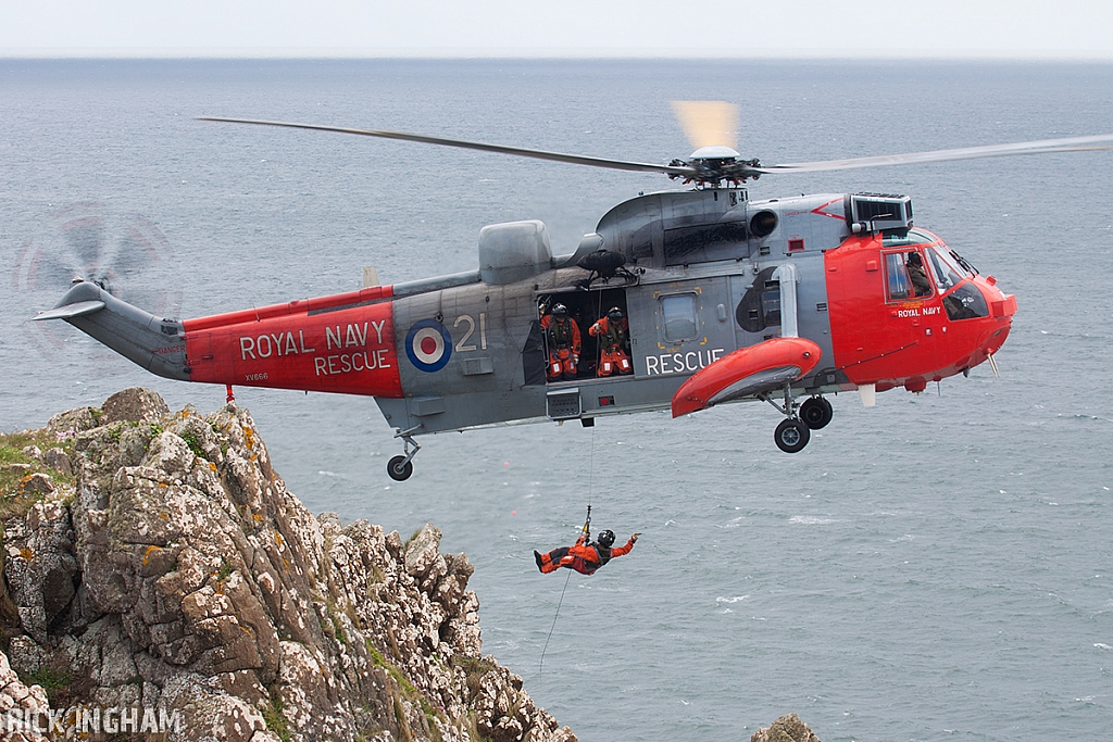 Westland Sea King HU5 - XV666/21 - Royal Navy