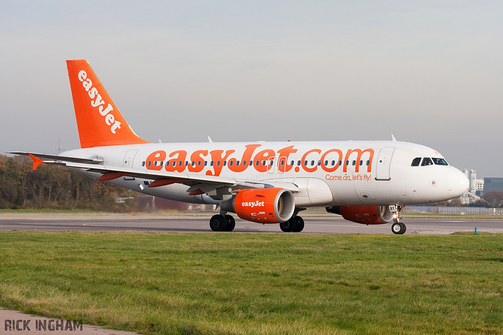 Airbus A319-111 - G-EZBY - EasyJet
