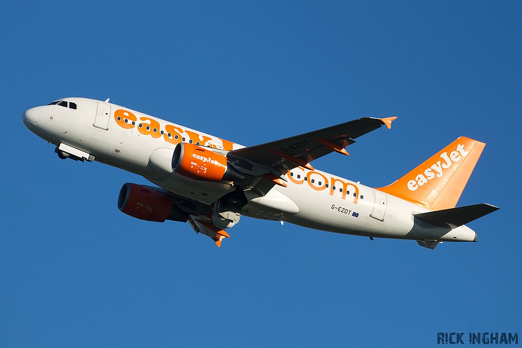 Airbus A319-111 - G-EZDT - EasyJet
