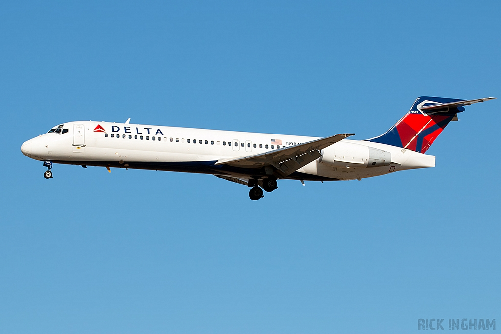 Boeing 717-231 - N987AT - Delta Airlines
