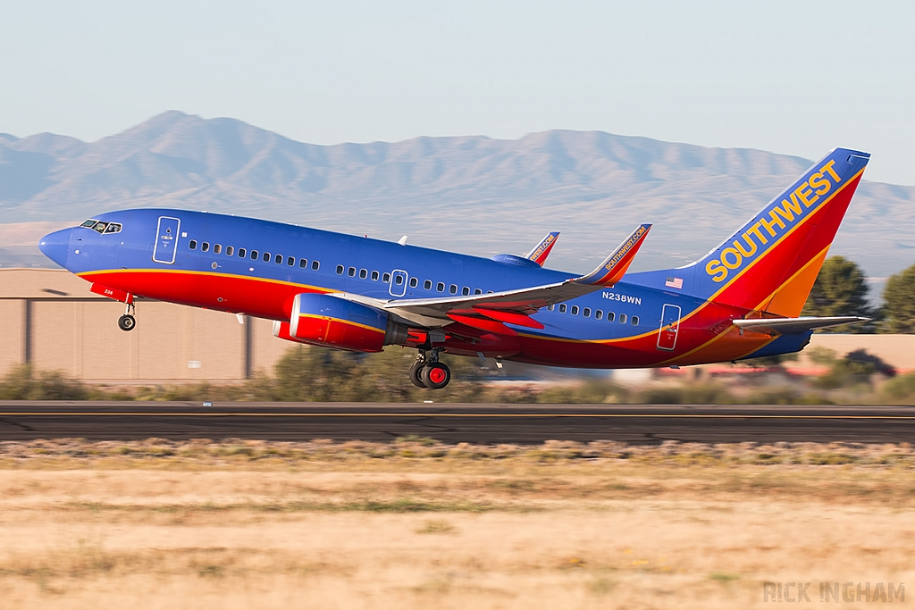 Boeing 737-7H4(WL) - N238WN - Southwest Airlines