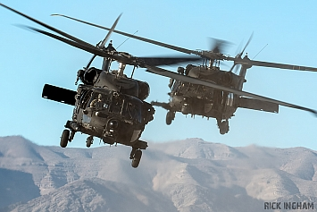 Sikorsky MH-60M Blackhawk - 05-20001 + 12-20476 - US Army