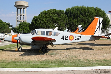 Piper PA-23-250 Aztec - E.19-3 / 42-52 - Spanish Air Force