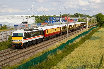 Class 90 - 90002 - Locomotive Services Limted