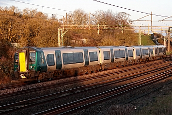 Class 350 - 350239 - London Northwestern Railway