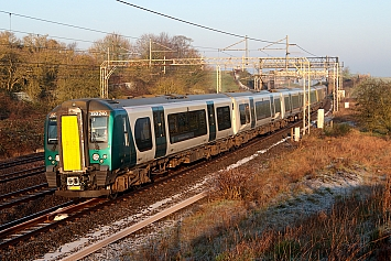 Class 350 - 350240 - London Northwestern Railway