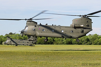 Boeing Chinook HC2A - ZD983 with ZH896 - RAF