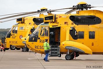 Westland Sea King HAR3 - ZH542 + ZH544 - RAF